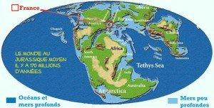 Le monde au Jurassique moyen